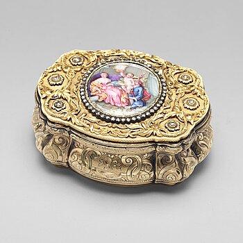 206. A Swiss mid 19th century 14ct. gold box.