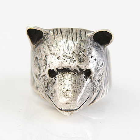 """Eila minkkinen, ring, """"björn"""", silver, finland, 2017."""