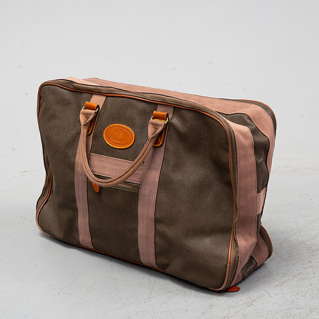 Mulberry, a scotch grain suitcase.