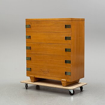 An american commode, 1940s.