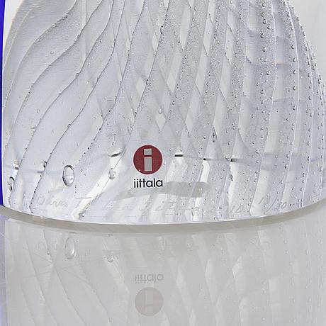 """Oiva toikka, glasskulptur """"latina ii"""", signerad oiva toikka iittala 2010, numrerad 13/30."""