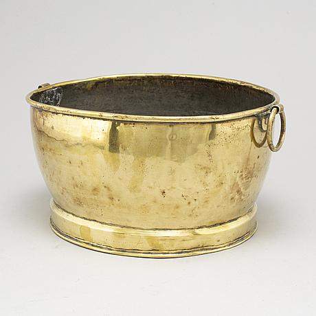 Champagnekylare, mässing, troligen 1700-tal.