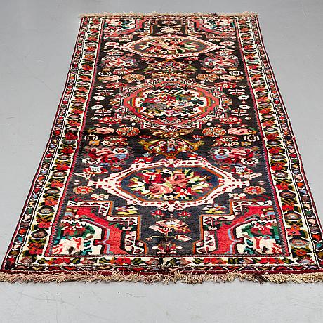 A carpet,  bakthari, ca 313 x 126 cm.