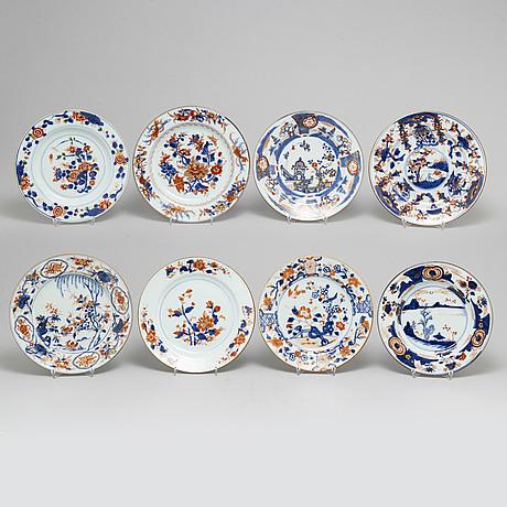 Tallrikar, åtta stycken, olika, kompaniporslin. qingdynastin, 1700-tal.