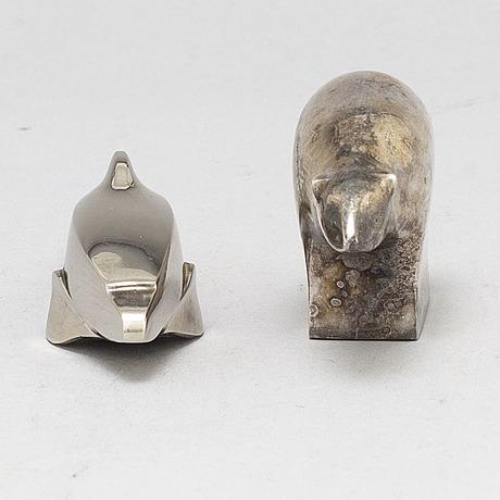Gunnar cyrÉn, figuriner, 2 st. silverpläterad zink. dansk designs, japan.