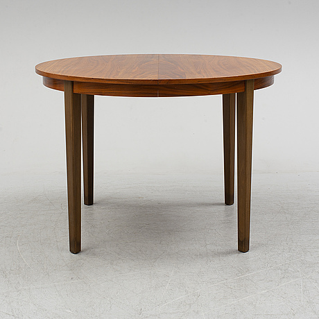 Dining table, second half of the 20th century. one leaf included.