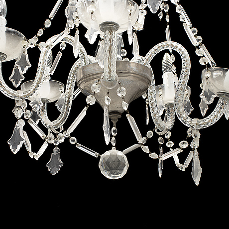 A 20th century ceiling light.