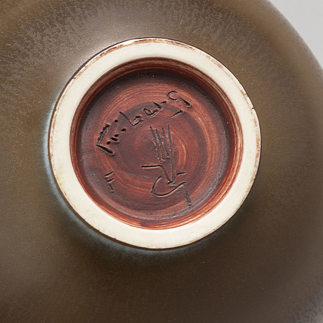 Berndt friberg, a stoneware bowl from gustavsberg studio, signed.