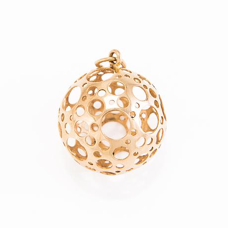 A liisa vitali 14k gold pendant. kultakeskus oy, helsinki 1970.