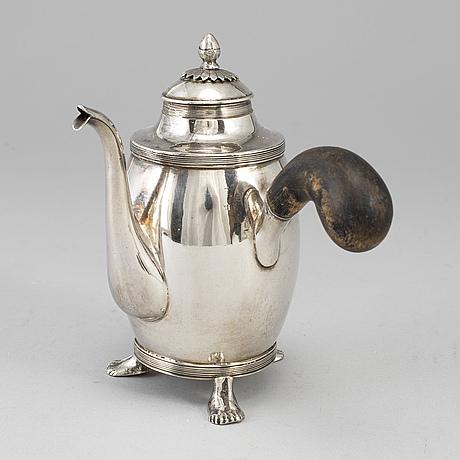 A swedish early 19th century silver coffee-pot, mark of daniel hallman, stockholm 1815.