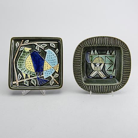 "Lisa larson, 3 pcs, stone ware, ""harlekin"", gustavsberg, second half of the 20th century."