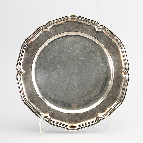 A rococo style plate, gab, stockholm 1927, silver, 680 gram.