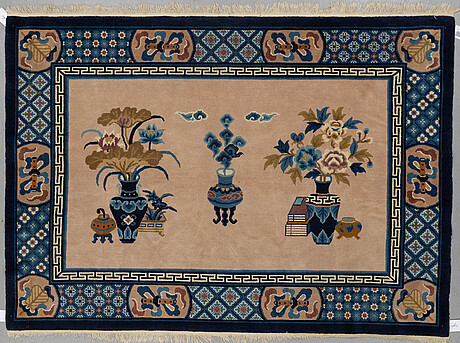 """A rug, old china, ca 137,5 x 193,5 cm (as well as 1 cm flat weave at the ends), """"antique finish""""."""