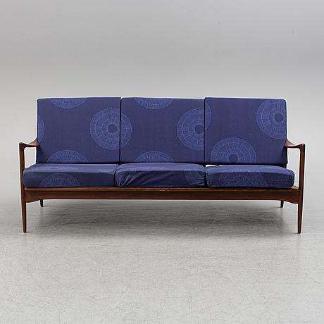 A 'kandidaten' ib kofod larsen sofa.