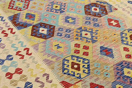 A carpet, kilim, ca 291 x 207 cm.