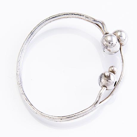A sterling silver bracelet and ring, suomen kultaseppä oy, turku, finland 1974.