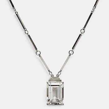 160. Wiwen Nilsson, a sterling a facet cut rock crystal collier, Lund, Sweden 1944.