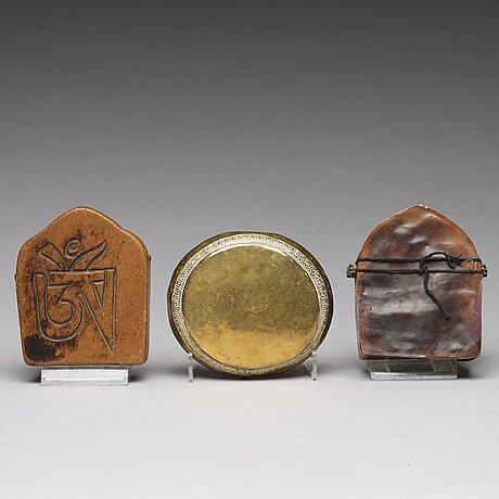 Two tibetan travel shrines and a box with cover, 19th century or later.