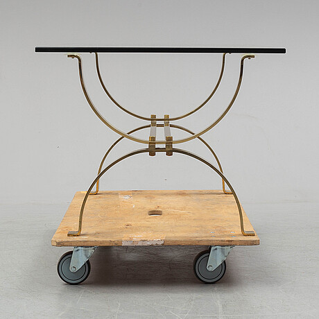 A late 20th century table.