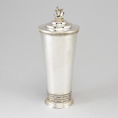 Atelier borgila. bägare/vas med lock, silver, stockholm 1938.