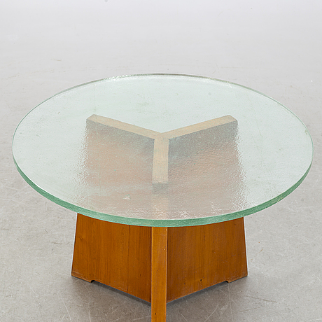 A 1930-/40's coffee table.