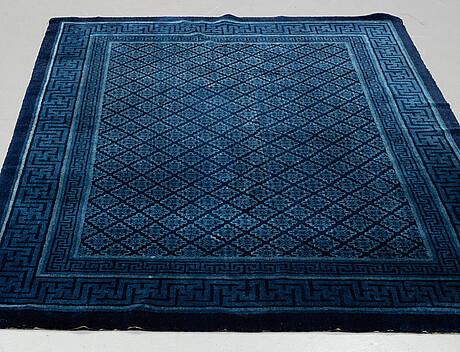 Semi-antique baotou, ca 233 x 158,5 cm.