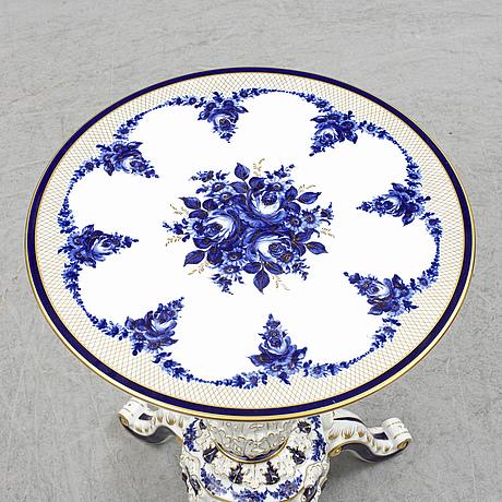 A porcelain table, porzellanmanufaktur plaue, east germany.