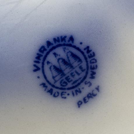 Arthur percy, 81 parts of earthenware tableware 'vinranka'.