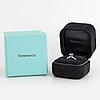 Tiffany & co, enstensring platina med briljantslipad diamant 0.48 ct.