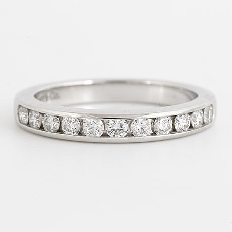 Tiffany & co, ring with brilliant-cut diamonds.