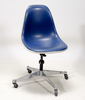 "Stol. design eames ""task chair""."