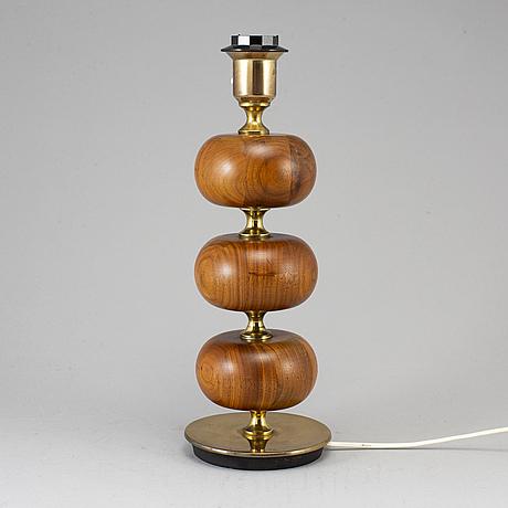 A walnut table lamp,  ab stilarmatur, tranås, second half of the 20th century.