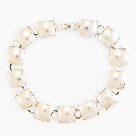 A sterling silver bracelet. kultaseppä ailio oy, jyväskylä.