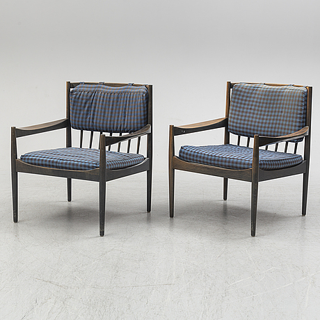 A pair of 1960s easy chairs.