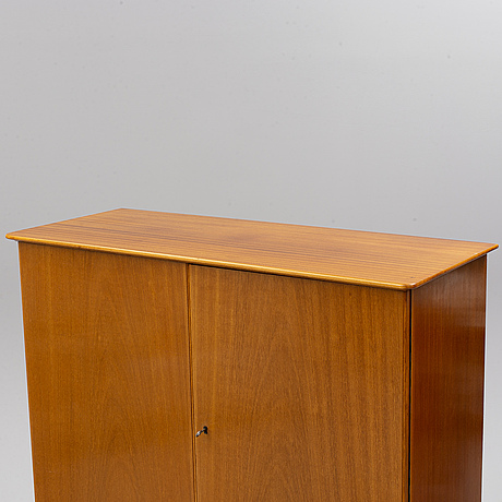 A 1950s cabinet.