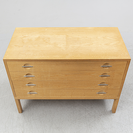 Hans j wegner, an oak veneered model 250 chest of drawers from ry møbler, denmark, 1965.