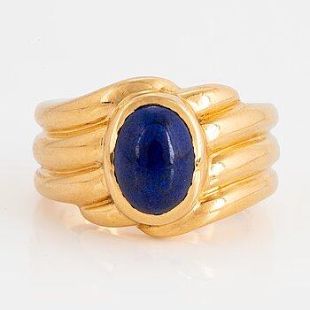 966. An 18K gold and lapis lazuli Van Cleef et Arpels ring.