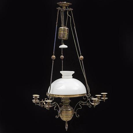 Takfotogenlampa, omkring år 1900.