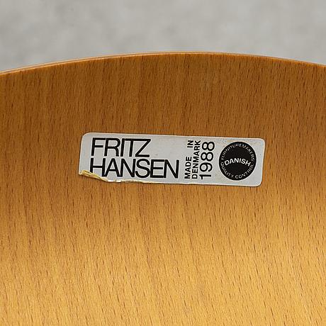 """Arne jacobsen, stolar 3 st, """"sjuan"""", fritz hansen, danmark, 1988."""