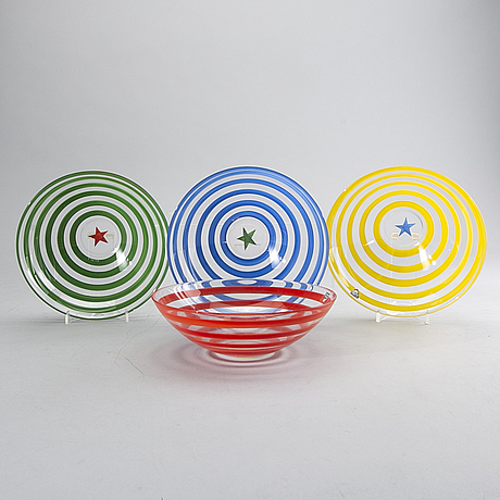 Anne nilsson, a set of four clown signed glass bowls.