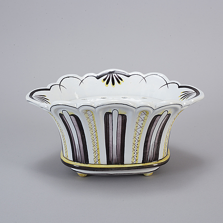 Arthur percy, a creamware jardinière, gefle porslinsfabrik, 1920-30s.