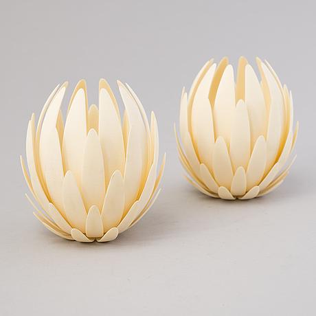 Janne kyttÄnen, a pair of 'artichoke' lampshades, 3d printing, belgium 2004.