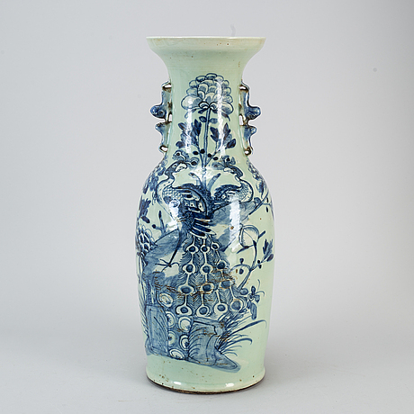 A large blue and white and celadon glazed vase, qing dynasty, circa 1900.