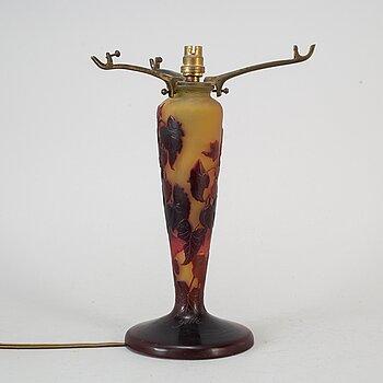 an Jugend cameo glass vase, Nancy, France, 1920s.