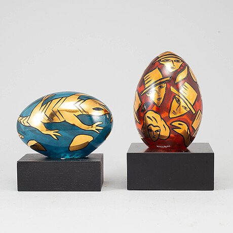 Ulrica hydman-vallien, two glass sculptures, signed and numbered, kosta boda.