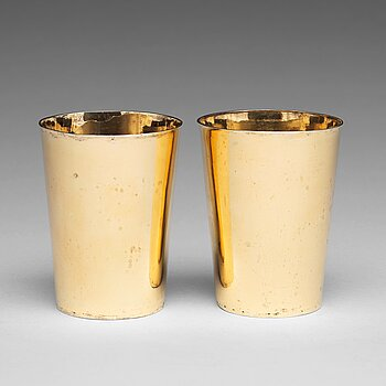 164. A pair of German 17th century silver beakers, unidentified makers mark, Ulm, dated 1626.