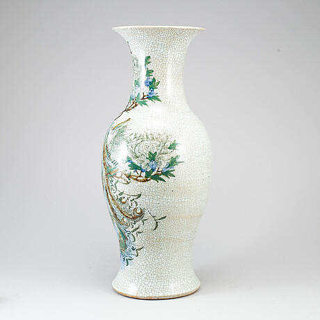 A large chinese famille verte and ge glaze vase, early 20th century.