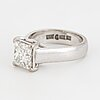 Princess-cut diamond ring, ca 2 ct.