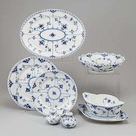 Royal copenhagen, a part 'musselmalet' porcelain dinner service, denmark, second half of the 20th century (20 pieces).