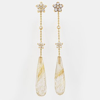 OLE LYNGGAARD earrings, 18K gold.